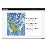 Dinosaurio verde en el zigzag Chevron - azul y bla Calcomanía Para 38,1cm Portátil