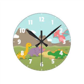 Dinosaurios coloridos lindos para el dormitorio de reloj redondo mediano