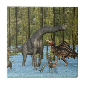 Dinosaurios jurásicos en un pantano cubierto de mu azulejo cuadrado pequeño