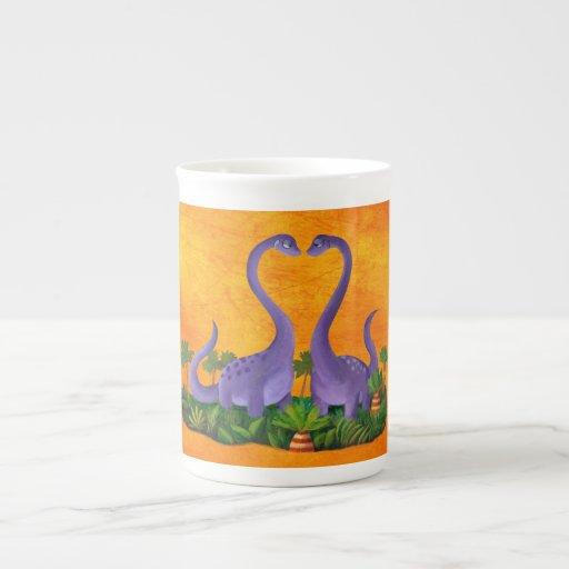 Dinosaurios lindos y románticos taza de porcelana