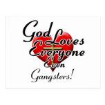 ¡Dios ama a gángsteres! Postal