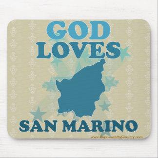 Dios ama San Marino Tapetes De Ratones