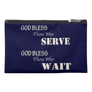 Dios bendice a los que sirvan el bolso del viaje