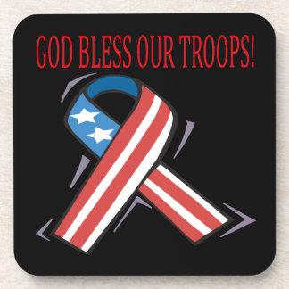 Dios bendice a nuestras tropas posavasos de bebida