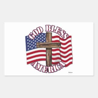 Dios bendice al americano con la bandera y la cruz rectangular altavoz