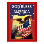 Dios bendice América, la bandera y el águila calva Tarjetas Postales