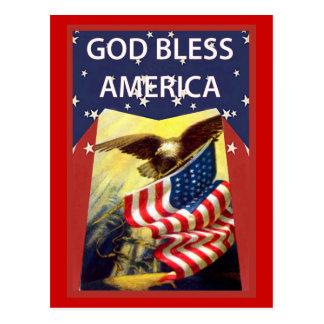Dios bendice América, la bandera y el águila calva Postal