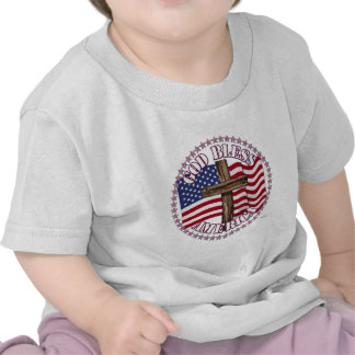 Dios bendice América y la cruz con las estrellas Camiseta