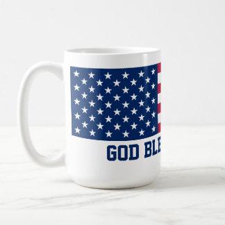 Dios bendice la bandera americana de América Taza Básica Blanca