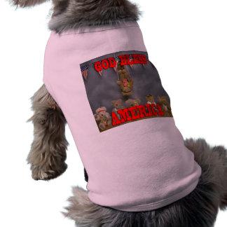 Dios bendice la ropa patriótica del mascota de los playera sin mangas para perro