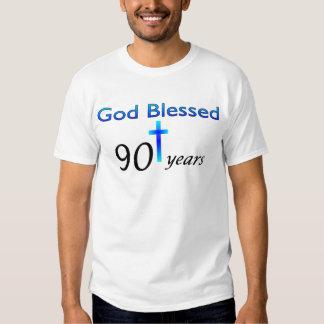 Dios bendijo 90 años de regalo de cumpleaños poleras