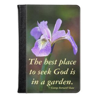 Dios de la búsqueda en un iris del jardín