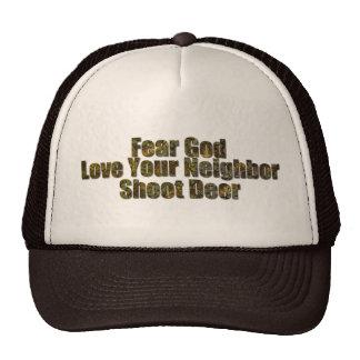 Dios del miedo, amante su vecino, ciervo del lanza gorra