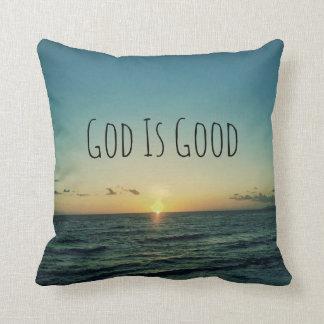 Dios es buena cita cojines