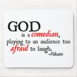 Dios es cómico alfombrillas de ratones