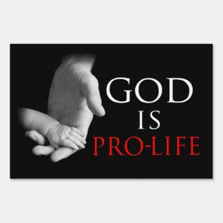 Dios es muestra antiabortista de la yarda letrero