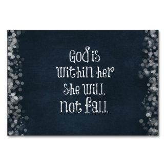 Dios está dentro de ella, ella no se caerá verso