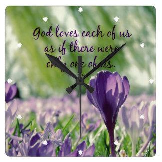 Dios inspirado ama a cada uno de nosotros cita reloj cuadrado