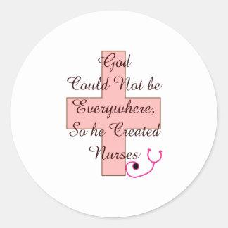 Dios no podría por todas partes CUIDA la cruz Etiquetas Redondas