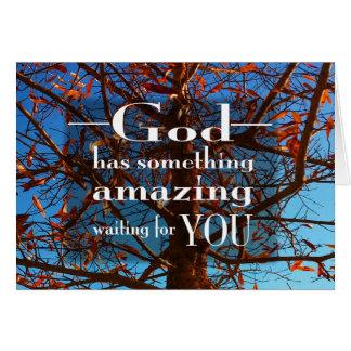 Dios tiene algo el sorprender tarjeta pequeña