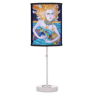 Diosa de la lámpara de mesa del mar