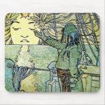 Diosa de Sun de Alfonso Mucha Tapetes De Ratones
