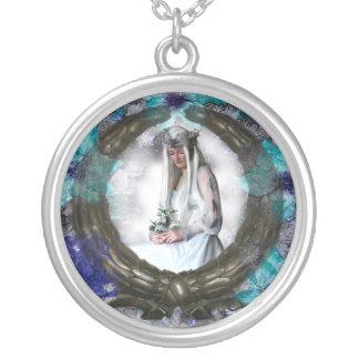 Diosa del invierno (collar/colgante) colgante redondo