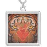 Diosa Durga y collar del tigre