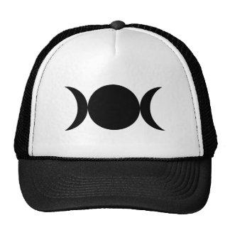 Diosa triple gorras