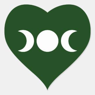 Diosa triple verde pegatina en forma de corazón
