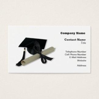 Diploma y casquillo de la graduación (tablero del tarjetas de visita