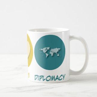 Diplomacia del amor de la paz tazas