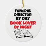 Director de funeraria del aficionado a los libros adorno