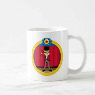 Director de pista de circo del circo del dibujo taza de café