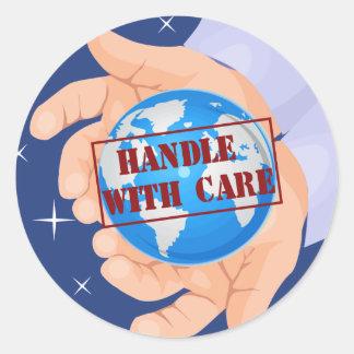 Dirija con los pegatinas del cuidado pegatina redonda