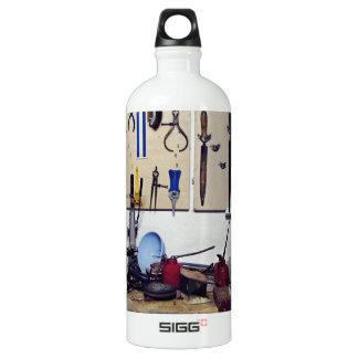 Dirty workbench SIGG traveler 1.0L water bottle