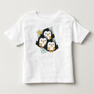 Disco de las bolas de masa hervida del pingüino playeras