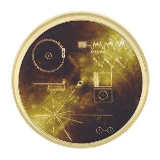 Disco de oro del viajero insignia dorada