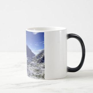 Discover Serenity Magic Mug