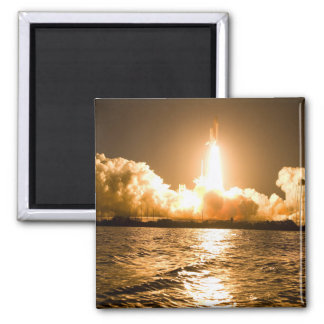 Discovery Lift Off Magnet