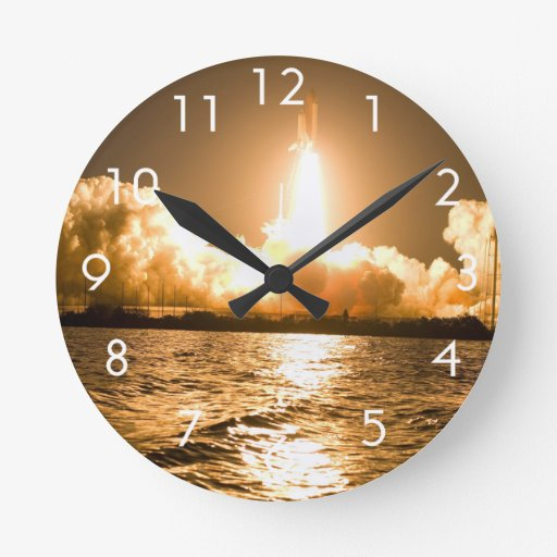 Discovery Lift Off Round Clock