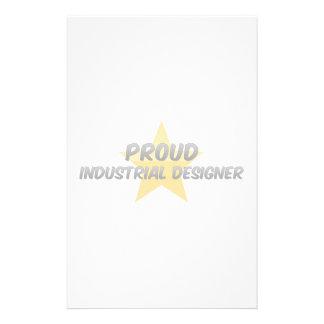 Diseñador industrial orgulloso  papeleria de diseño