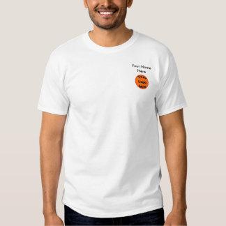 Diseñe su propio pequeño frente del logotipo y del camisas