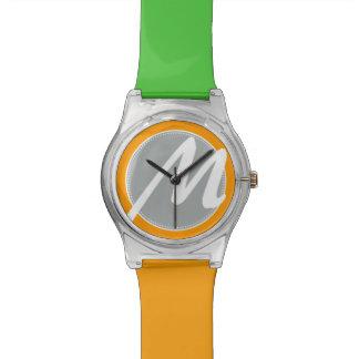 Diseñe su propio reloj del monograma