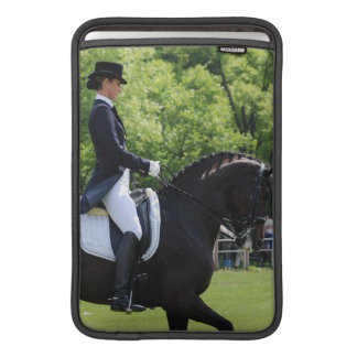 """Diseño 11"""" del caballo del Dressage manga de MacBo Funda Macbook Air"""