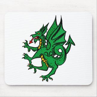 Diseño 19 del dragón alfombrillas de raton