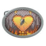 Diseño 2 de la mantis religiosa del cromo con el f hebilla cinturon oval