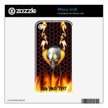 Diseño 2 del cráneo del cromo con el fuego skin para el iPhone 4S