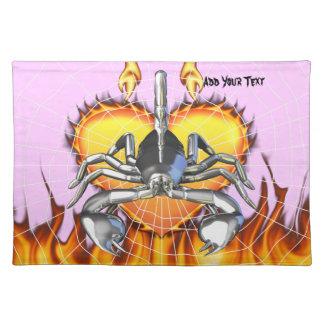 Diseño 3 del escorpión del cromo con el fuego y la manteles