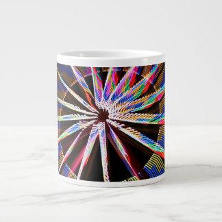 diseño abstracto aseado de los colores de la taza grande